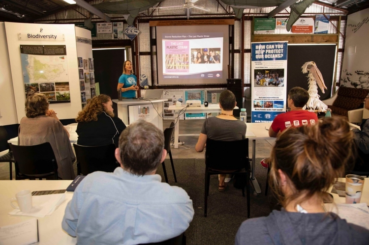Workshop attendees learning with Tangaroa Blue. Photo by Sharon Meredith, Peel-Harvey Catchment Council.